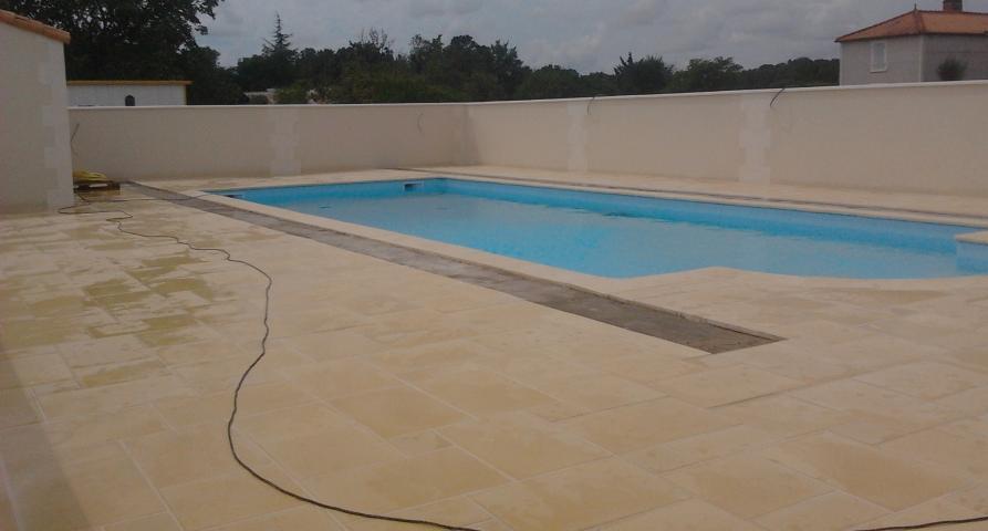 Embi ma onnerie fontenay le comte piscine for Construction piscine fontenay le comte